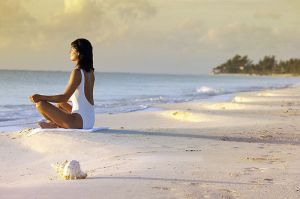 mulher-meditar-feira